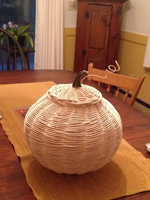 https://sites.google.com/site/kennebunkbasketry/home/Pumpkin%20for%20alyssa%20wedding%202016.jpg